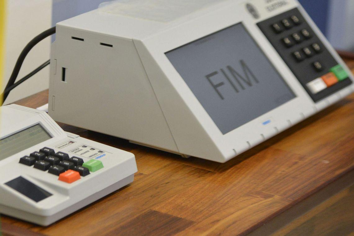 Não é só o Brasil que usa urnas eletrônicas em eleições. Você acredita que até os Estados Unidos usam?